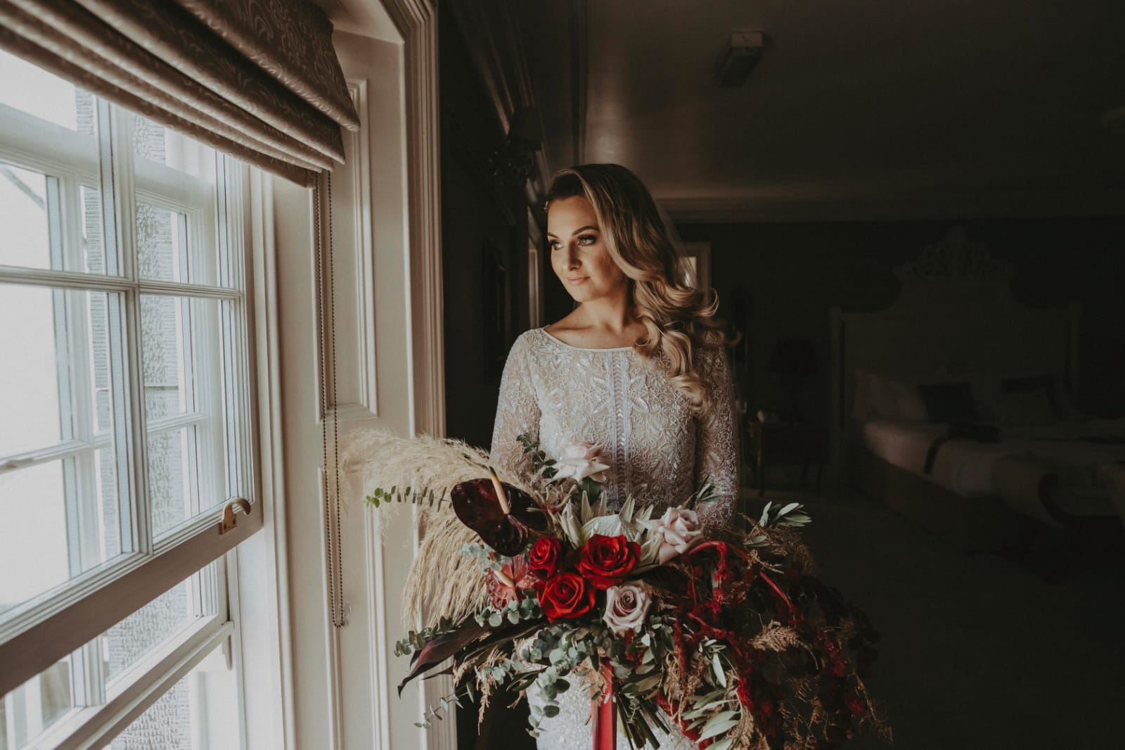 Clonabreany house wedding, meath wedding, clonbreany bride, australian bride, hollywood waves, soft curls, bridal hair, bridal makeup, glam bride